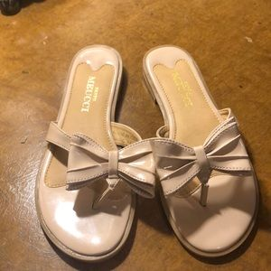 Patent beige leather flat sandals